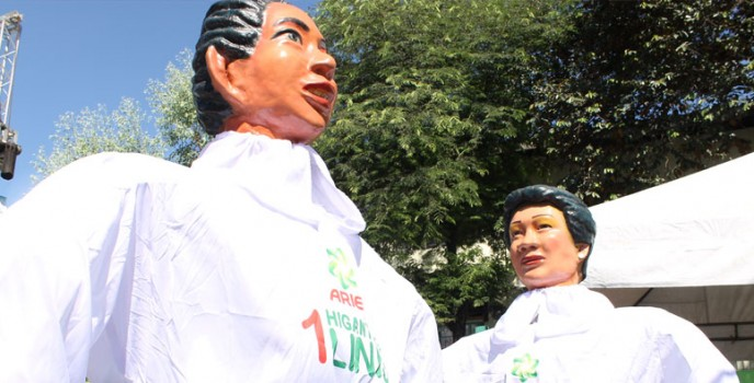 "Ariel ensures fun, food and ""higanteng linis"" from dirt and stains at the Higantes Festival"