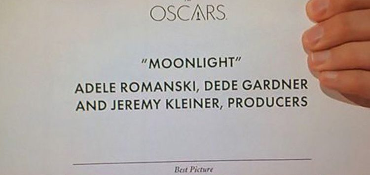 "Oscars pulled a ""Miss Universe"" after announcing La La Land as Best Picture, but Moonlight wins"