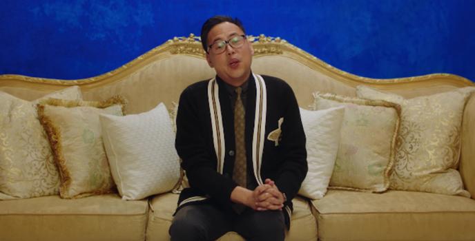 "Filipino actor Nico Santos invites Philippine audiences to watch ""Crazy Rich Asians"""