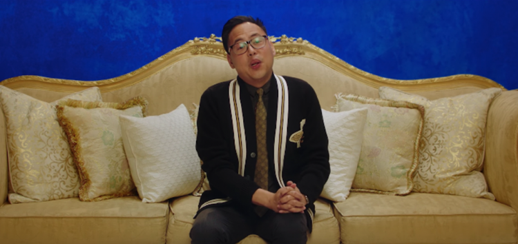 "Filipino actor Nico Santos invites Philippine audiences to watch ""Crazy Rich Asians"""